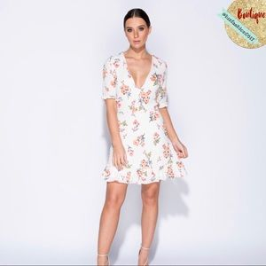 Dresses & Skirts - 🌹NEW ARRIVAL! White Floral Print Dress